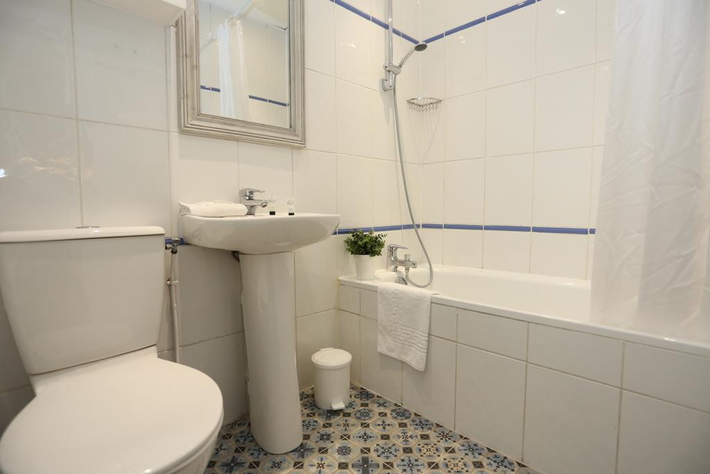 Chambre Quadruple (salle de bain privée)_29 - Vintage Paris Gare du Nord